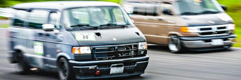 Carreras en Japón de furgonetas tuneadas