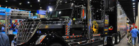 Feria de Camiones y Vehículos Comerciales Mid-America Trucking Show Louisville 2018