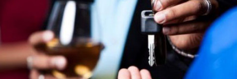 Conducir bajo los efectos del alcohol, de la infracción al delito