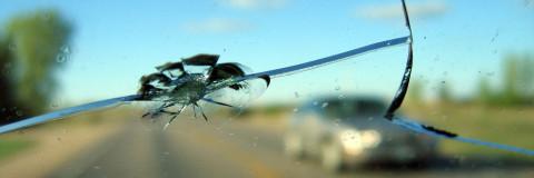Rotura del parabrisas en verano